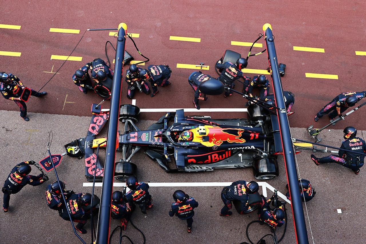 セルジオ・ペレス 「タイヤをキープして必要なときに使ったことがカギ」 / レッドブル・ホンダ F1モナコGP 決勝