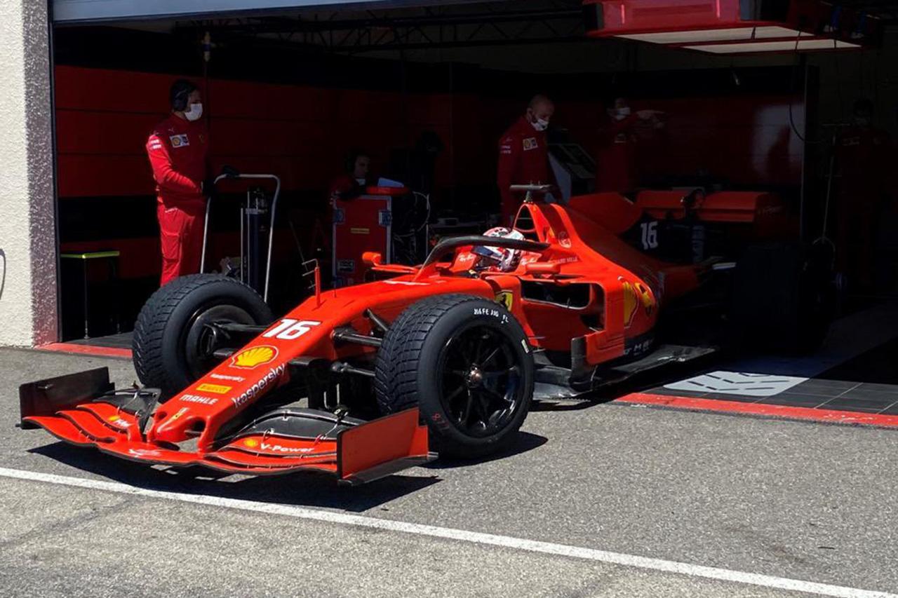 フェラーリF1、2日間の雨天用18インチタイヤテストで449周を走破