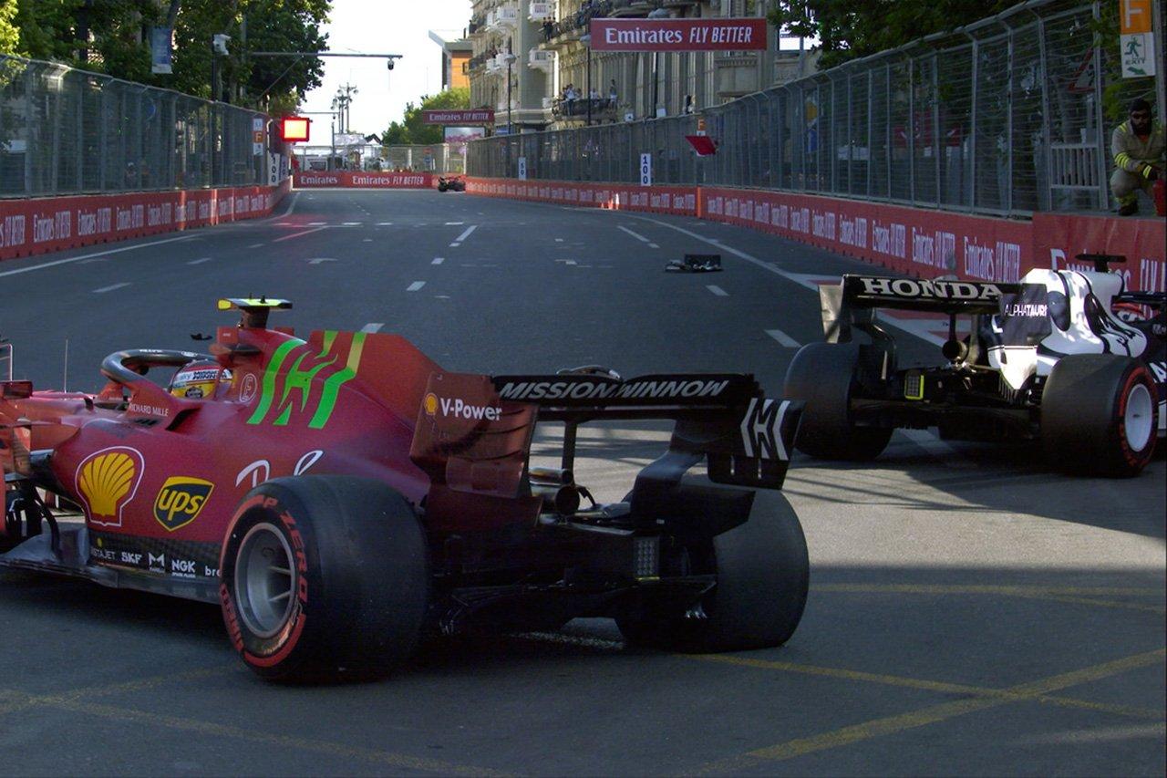 カルロス・サインツ 「角田裕毅に近づきすぎてスタートした自分が悪い」 / F1アゼルバイジャンGP 予選