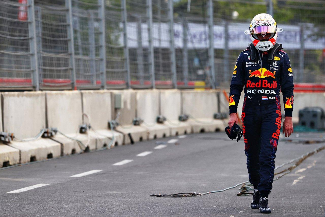 マックス・フェルスタッペン、目前で勝利を逃し「時々このスポーツが嫌いになる」 / F1アゼルバイジャンGP 決勝