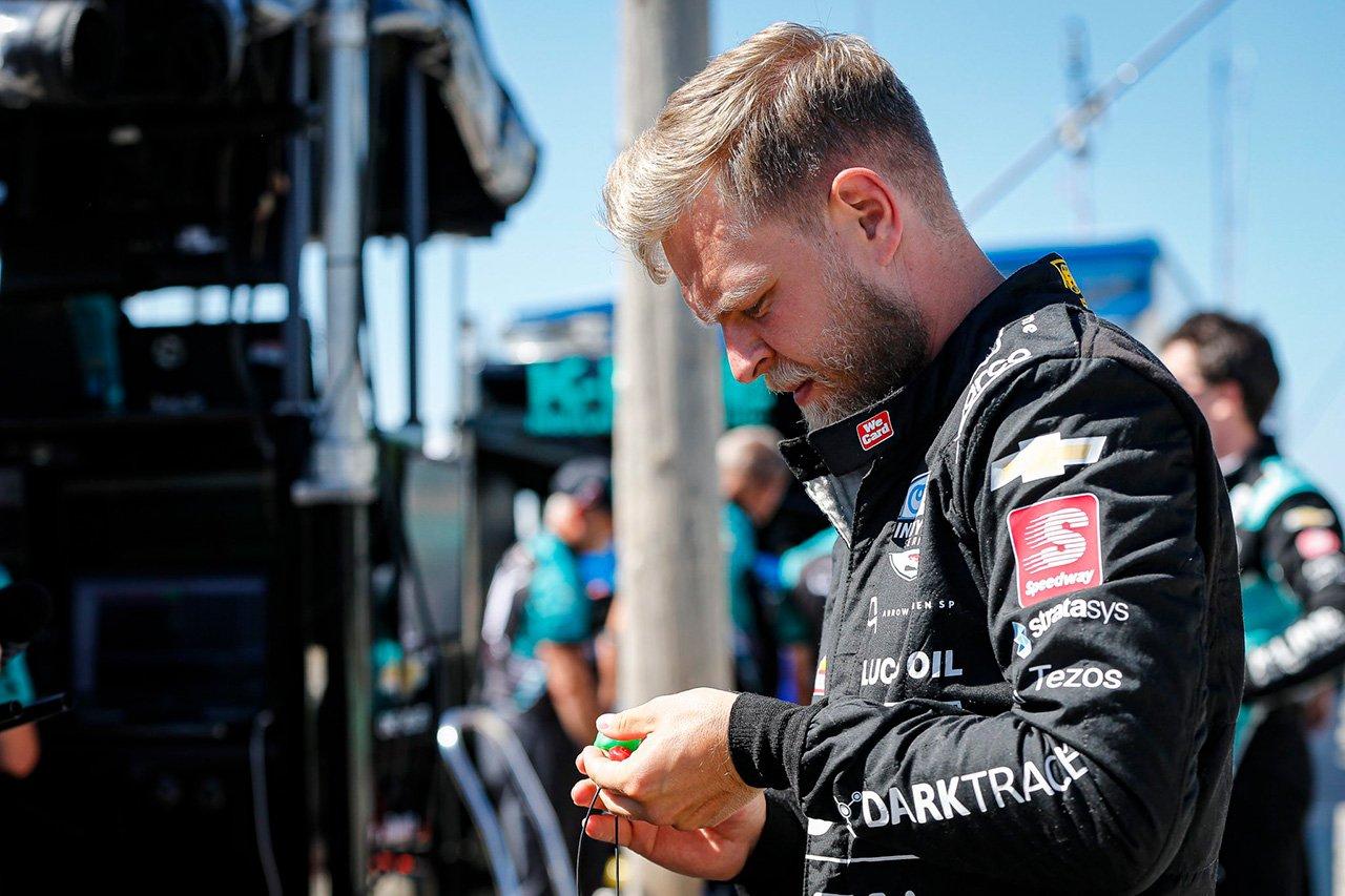 元F1ドライバーのケビン・マグヌッセン、インディカーデビュー戦はマシン故障でリタイア