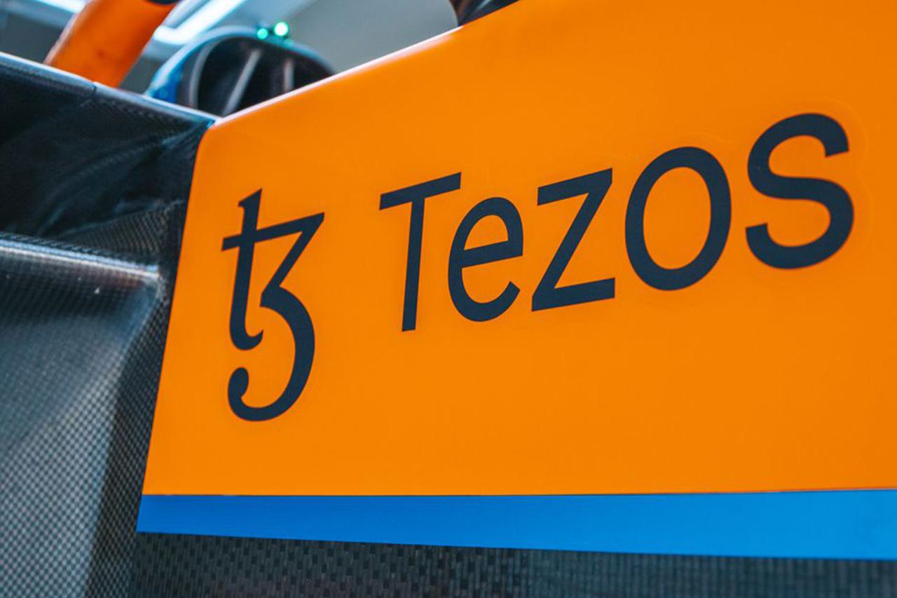 マクラーレンF1、Tezos(テゾス)と公式ブロックチェーンパートナー契約