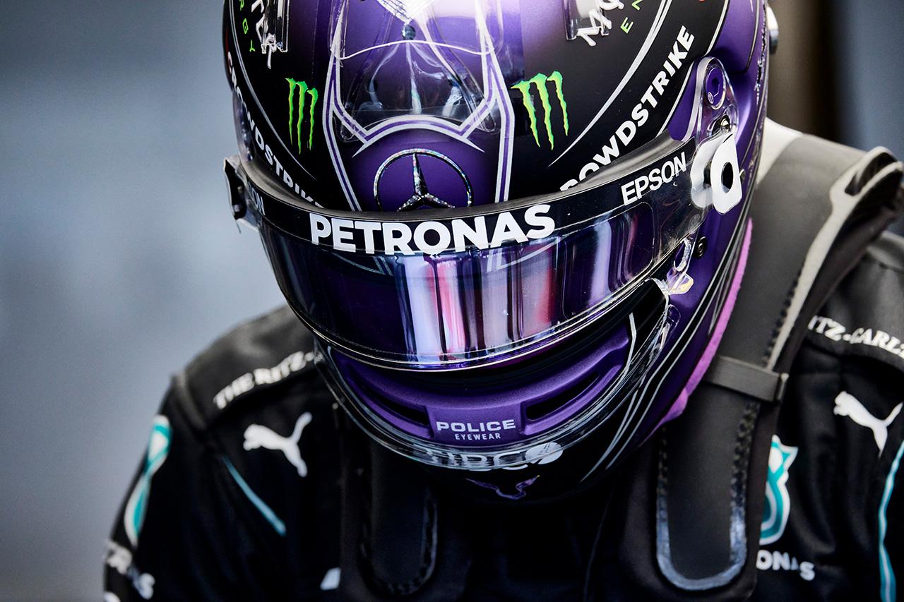メルセデスF1のルイス・ハミルトン 「レッドブル・ホンダを倒すのは非常に難しい」 / F1シュタイアーマルクGP 金曜フリー走行