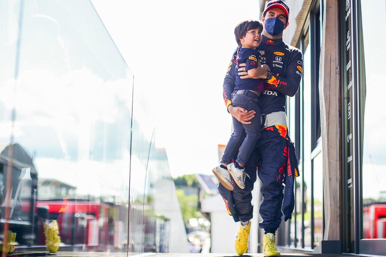 セルジオ・ペレス、悔しい4位「あと一周あれば表彰台は可能だった」 / F1シュタイアーマルクGP 決勝