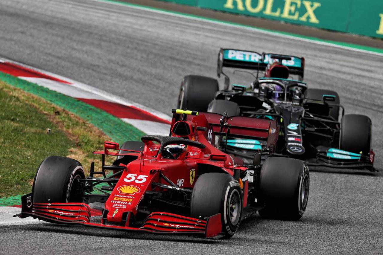ルイス・ハミルトン、周回遅れのサインツを先に行かせる苦戦ぶり / F1シュタイアーマルクGP