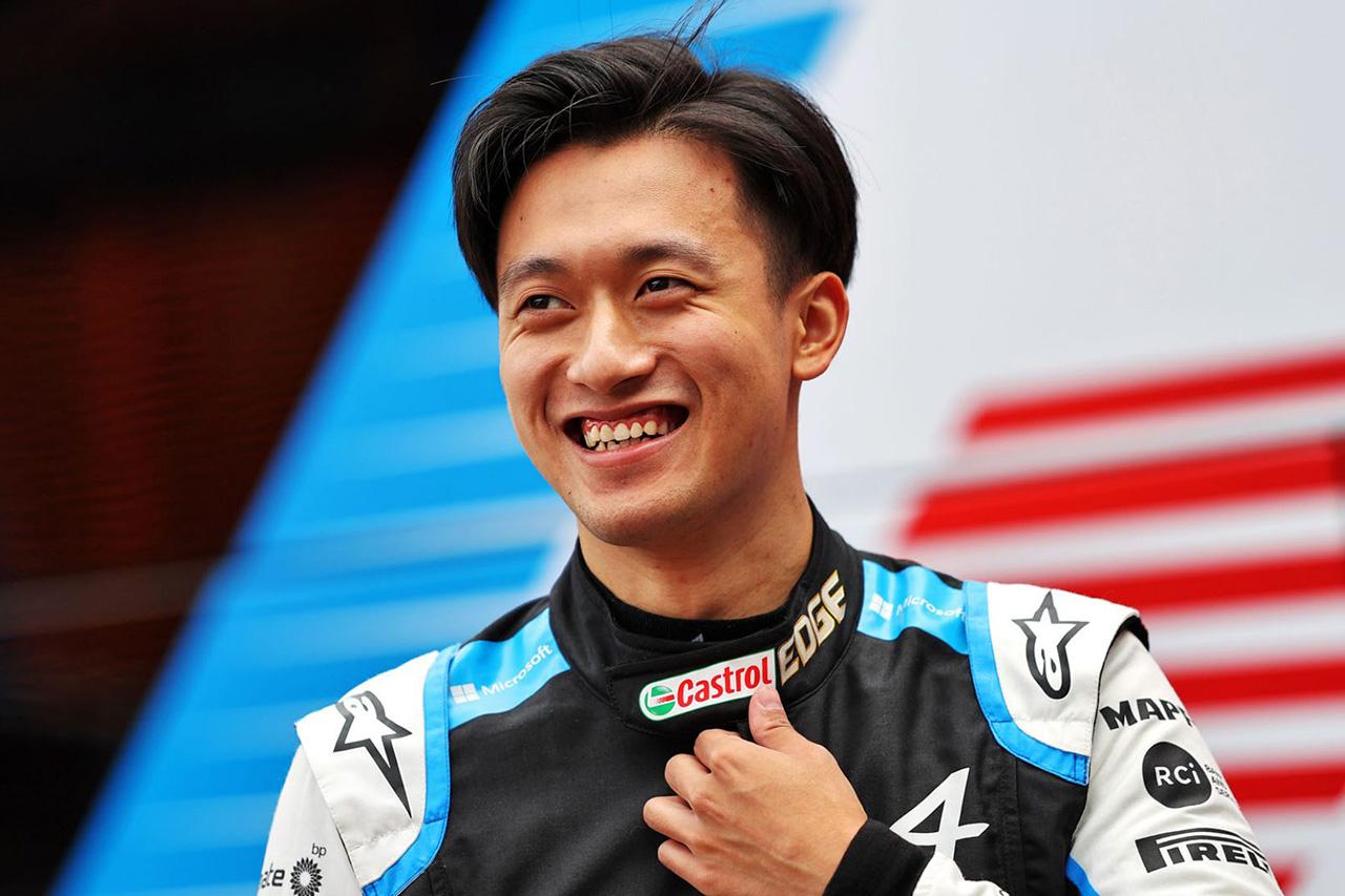 アルピーヌF1のフェルナンド・アロンソ 「周冠宇はFP1でパーフェクトに仕事をこなした」 / F1オーストリアGP 金曜フリー走行