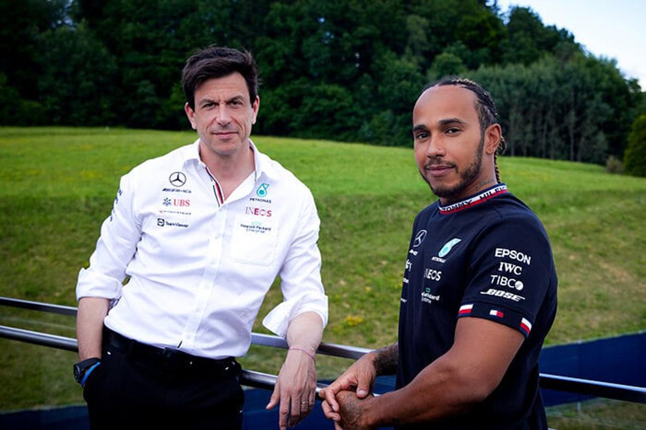 メルセデスF1、ルイス・ハミルトンとの2023年までの2年契約を発表