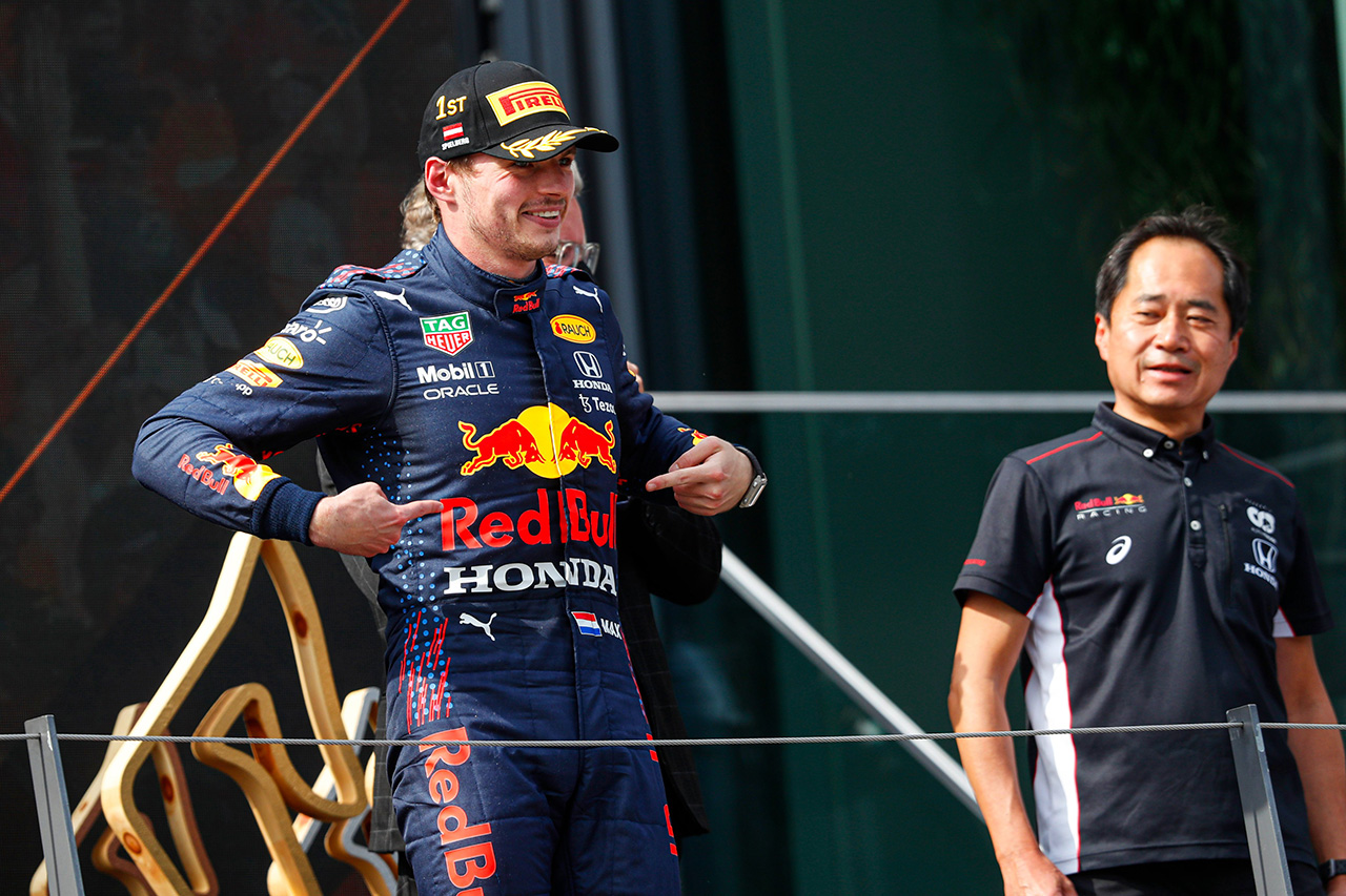 """F1オーストリアGP 決勝:レッドブルF1のフェルスタッペンが3連勝!ホンダF1は33年前の""""セナプロ時代""""に並ぶ5連勝!"""