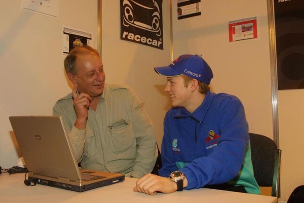 ディーター・レンケンとキミ・ライコネン(2001年)