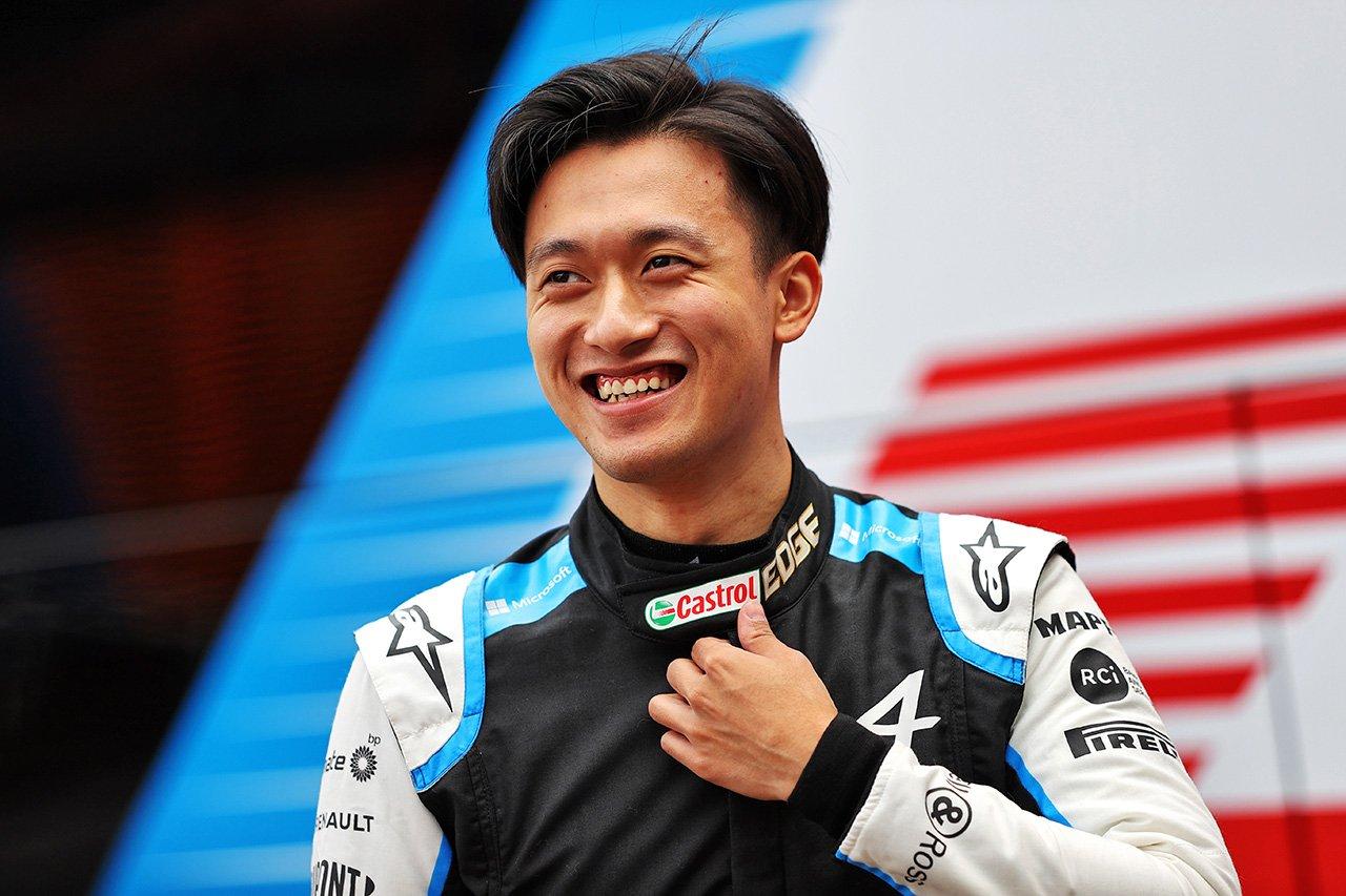 中国人ドライバーの周冠宇 「自分の存在はF1の視聴者数の増加につながる」