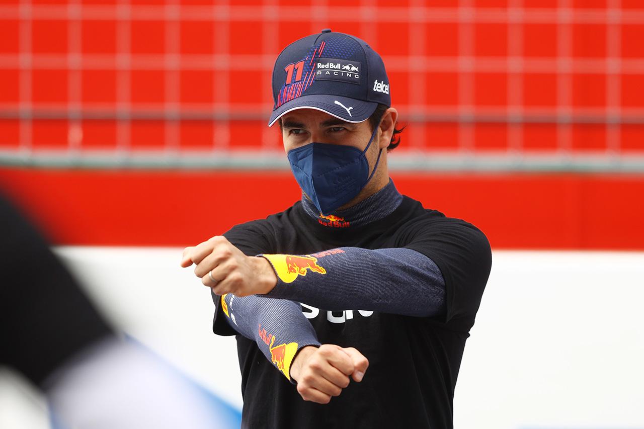 セルジオ・ペレス、2022年のレッドブルF1残留は契約年数の問題のみ?