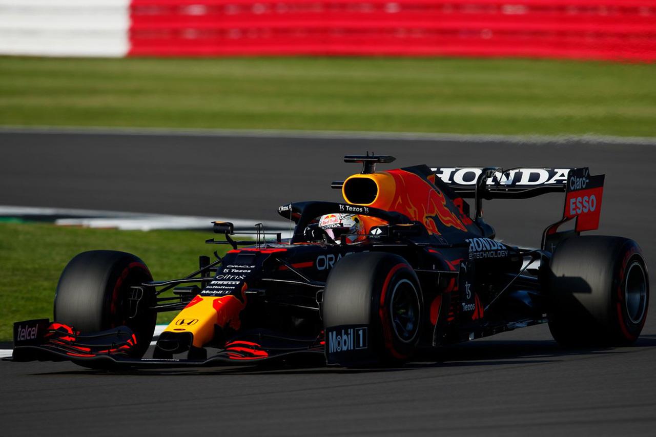 F1イギリスGP フリー走行2回目 レポート:レッドブルF1のフェルスタッペンがトップも駆け引きのセッション