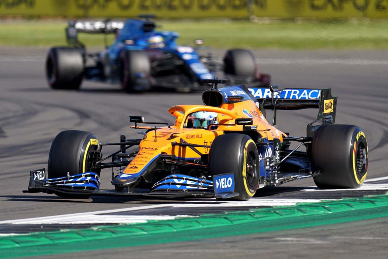 ダニエル・リカルド 「アロンソのレースクラフトはグリッドで1番」 / F1イギリスGP スプリント予選