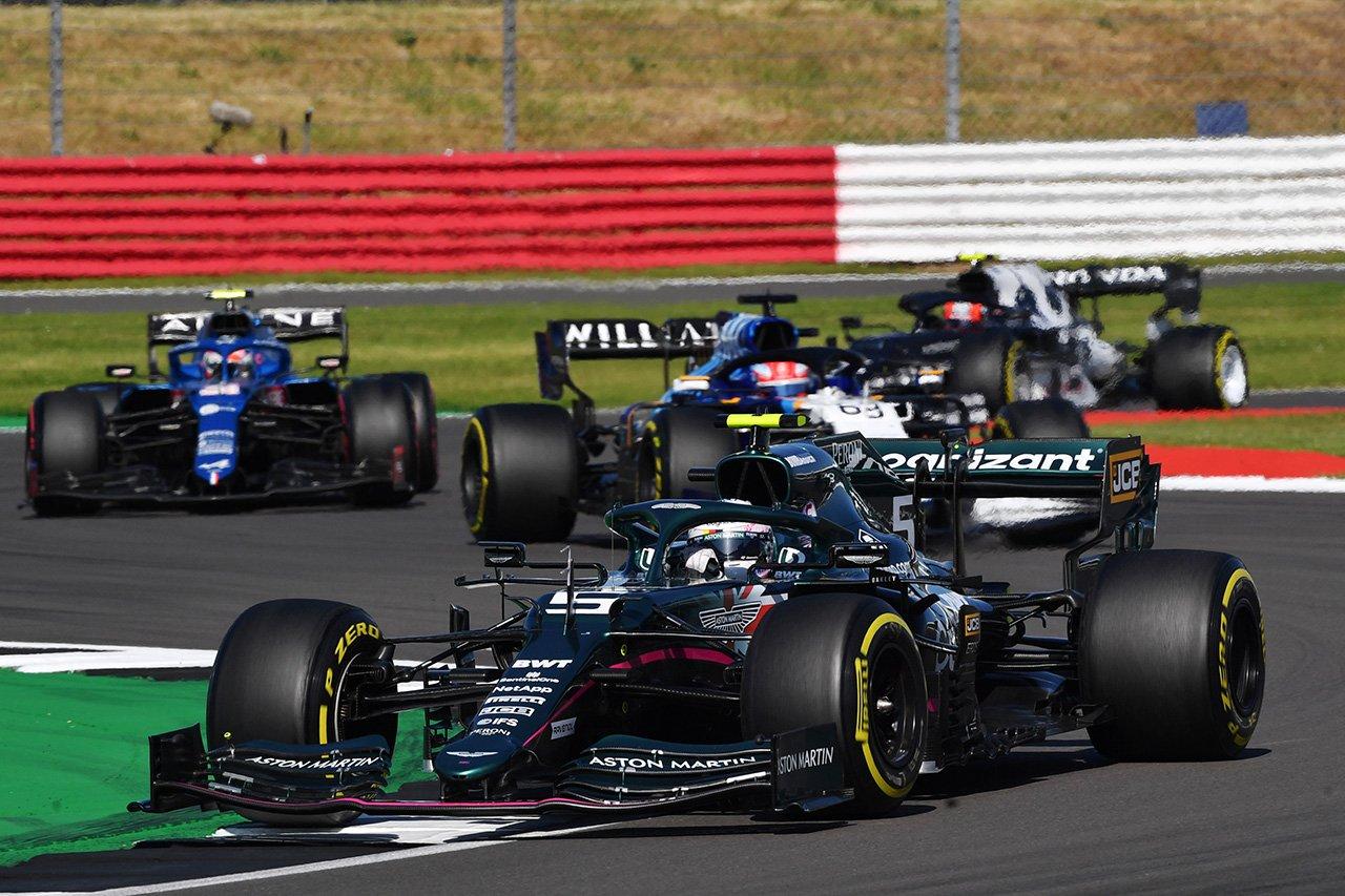 セバスチャン・ベッテル 「決勝は戦略によって異なるレースになるだろう」 / アストンマーティン F1イギリスGP スプリント予選