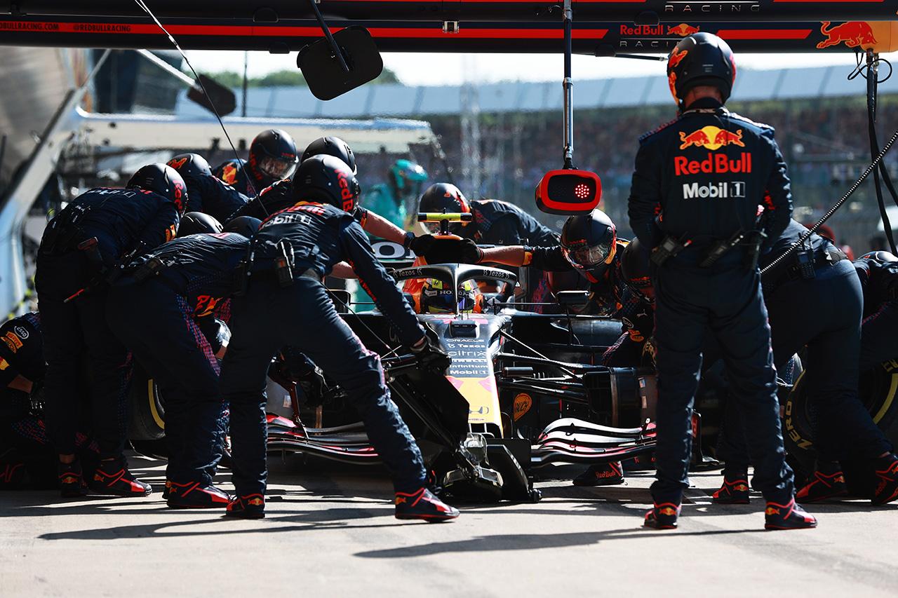 セルジオ・ペレス、ハミルトンのファステストラップポイント追加を阻止 / レッドブル・ホンダ F1イギリスGP 決勝