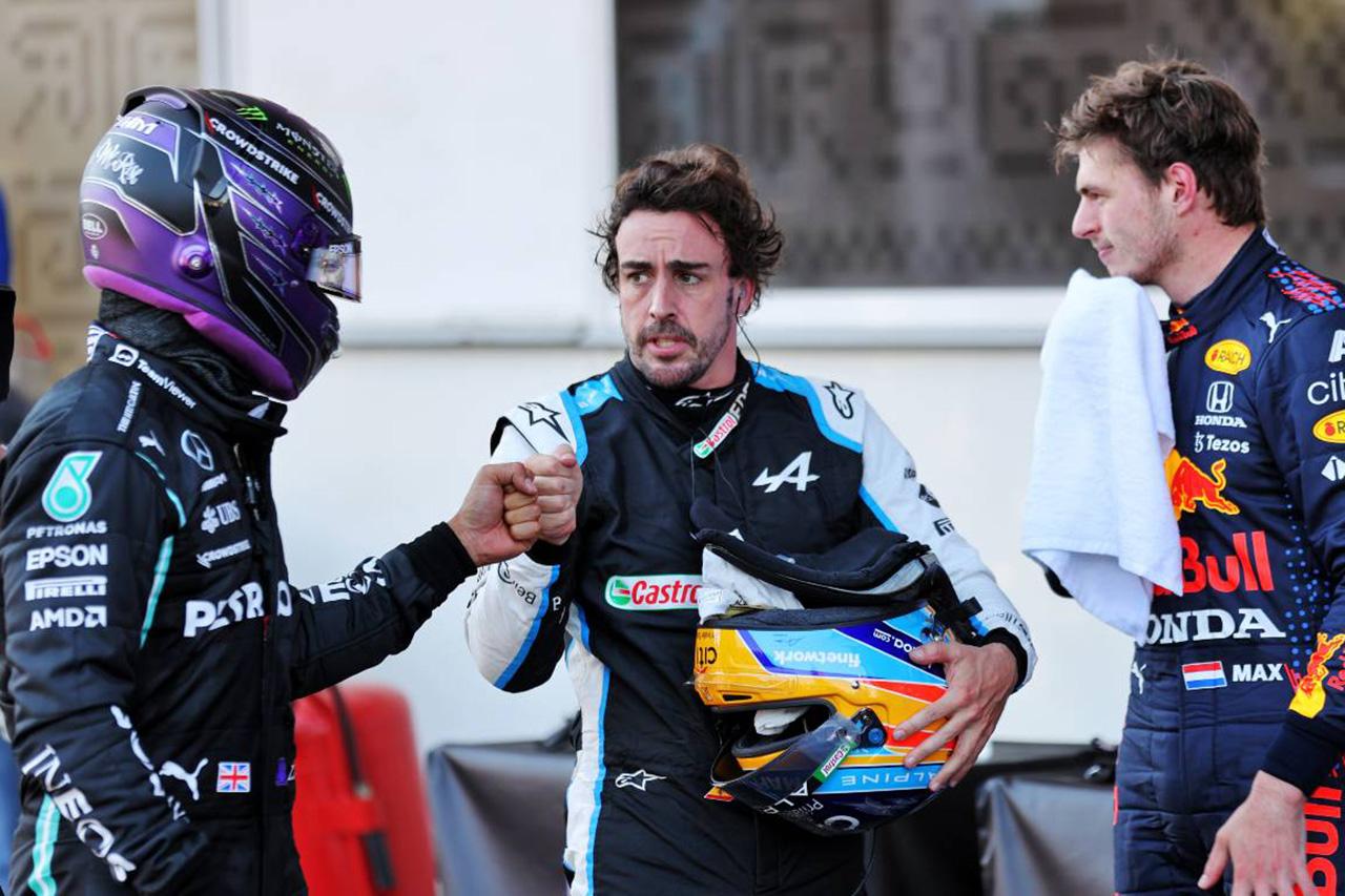 フェルナンド・アロンソ 「ハミルトンへのペナルティは厳しいと思う」 / F1イギリスGP 決勝
