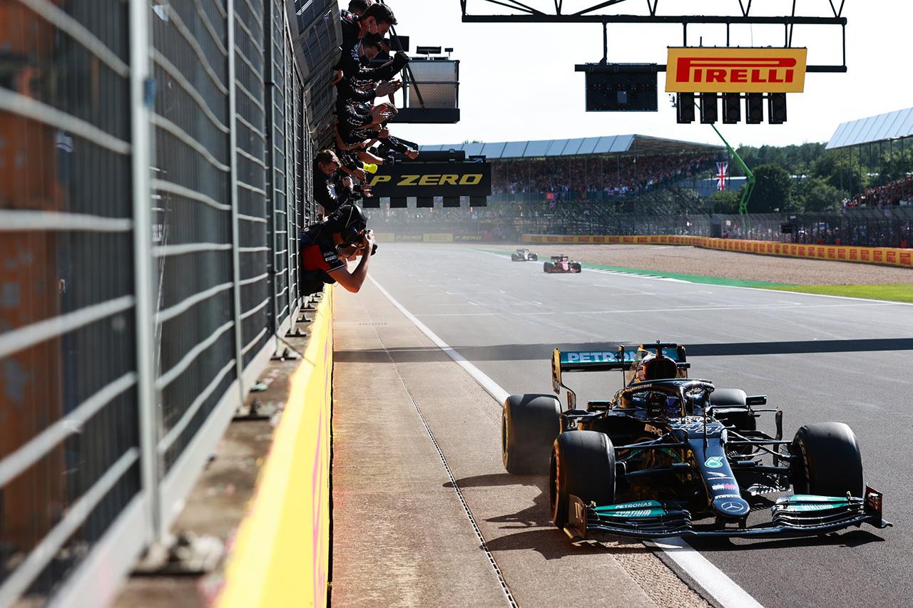メルセデスF1首脳 「タイトルのリードを奪い返して夏休みに入りたい」 / F1ハンガリーGP