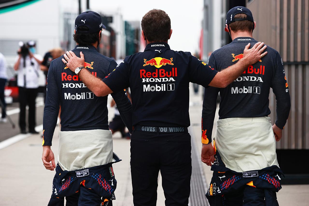 レッドブルF1代表、2台を潰され皮肉 「ボッタスは素晴らしい仕事をした」 / F1ハンガリーGP 結果