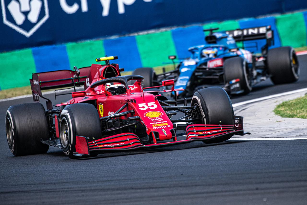 フェラーリF1のカルロス・サインツ 「アロンソをDRSで助けることを検討した」