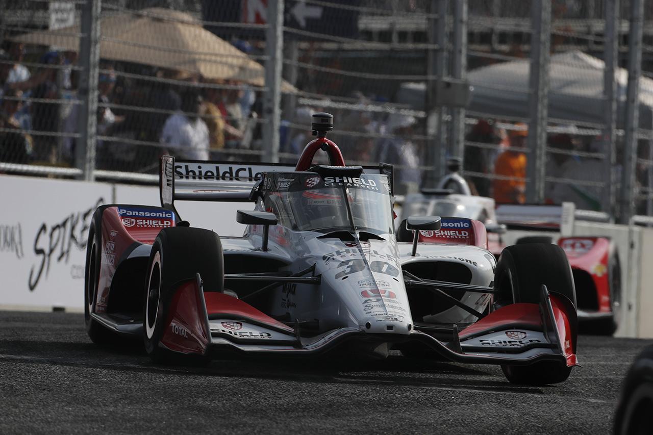 佐藤琢磨、もらい事故で無念のリタイア「レースを戦い続けたかった」 / インディカー 第11戦
