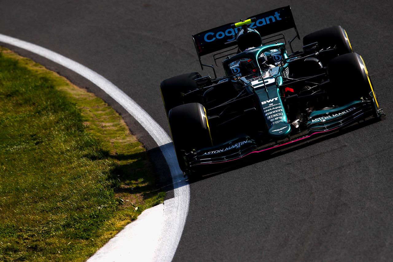 セバスチャン・ベッテル 「F1サーキットにもっとバンクを増やしてほしい」 / F1オランダGP 金曜フリー走行