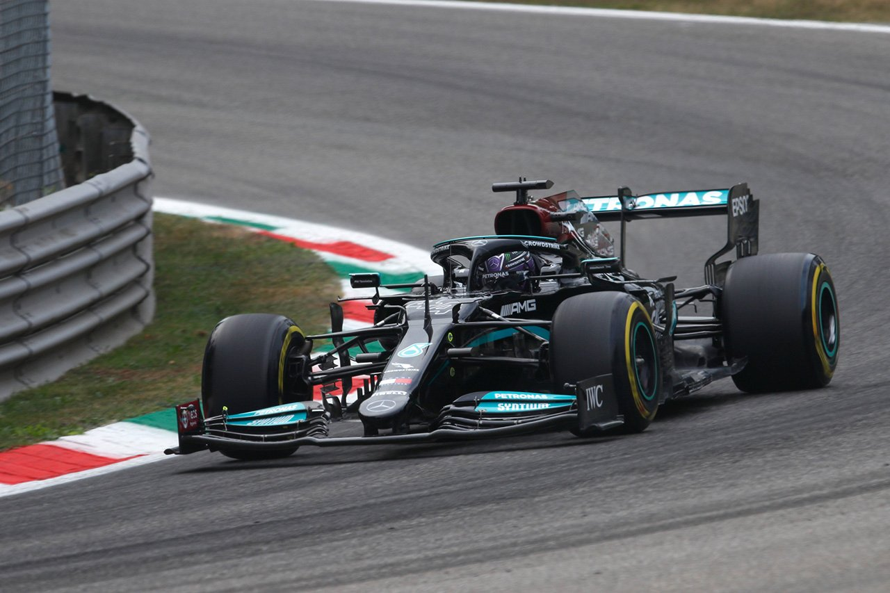 F1イタリアGP フリー走行1回目:ミディアムのハミルトンが最速。ソフトのフェルスタッペンに0.45秒差