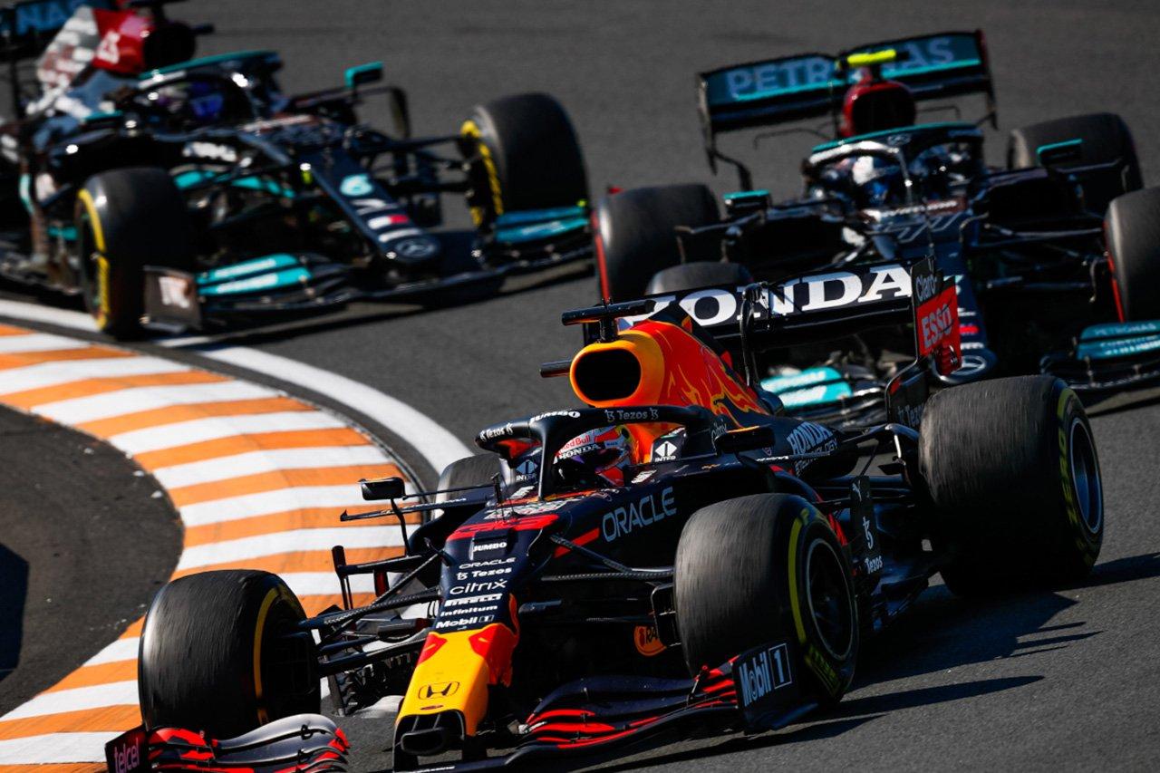 ルイス・ハミルトン 「予選でのフェルスタッペンの突然のゲインに驚いた」 / F1イタリアGP 予選