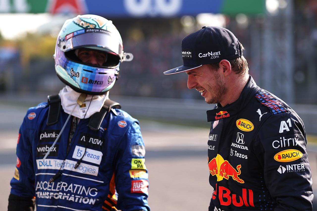 リカルド流ジョーク復活 「マックスとはハードに戦わないことで合意済」 / F1イタリアGP スプリント予選