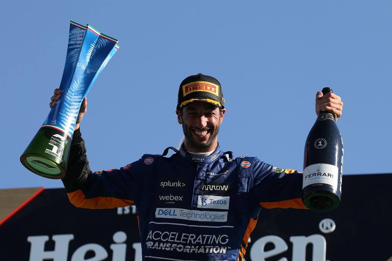 ダニエル・リカルド 「逆境がこの勝利をさらにスイートにしてくれた」 / F1イタリアGP 結果