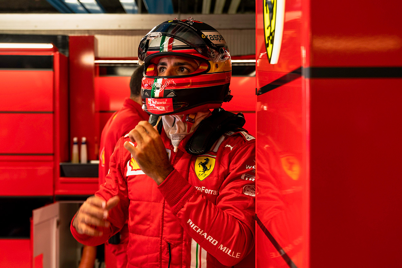 カルロス・サインツ 「フェラーリとの最初のF1イタリアGPをずっと忘れない」