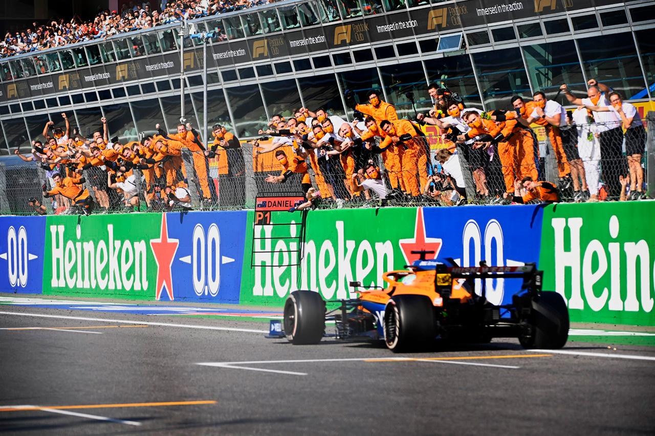 マクラーレンF1、レッドブルやメルセデスとのチーム力の差を痛感