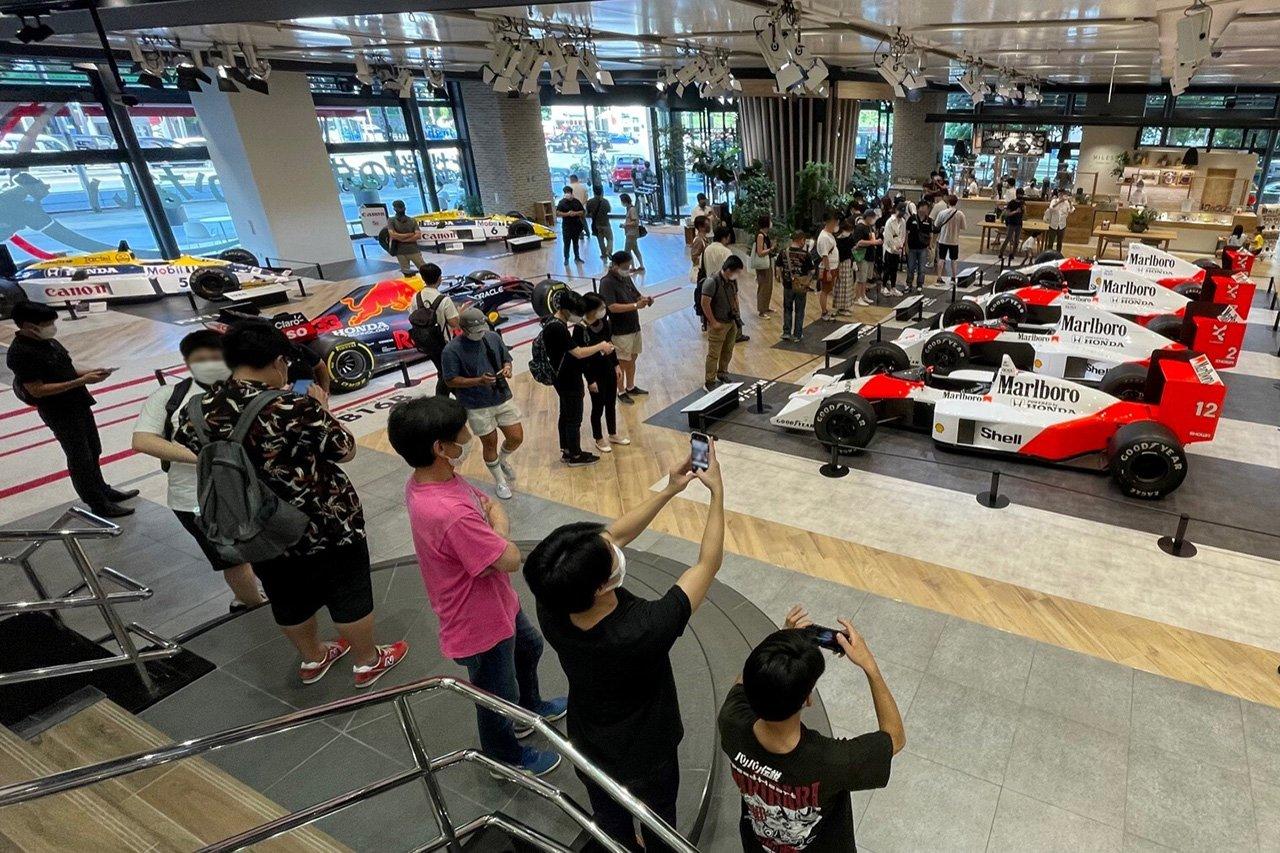 ホンダのF1エンジンでタイトルを獲得した歴代マシンが青山に集結