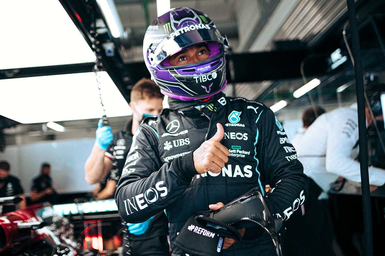 ルイス・ハミルトン 「フェルスタッペンのペナルティを利用しなければならない」 F1ロシアGP 金曜フリー走行