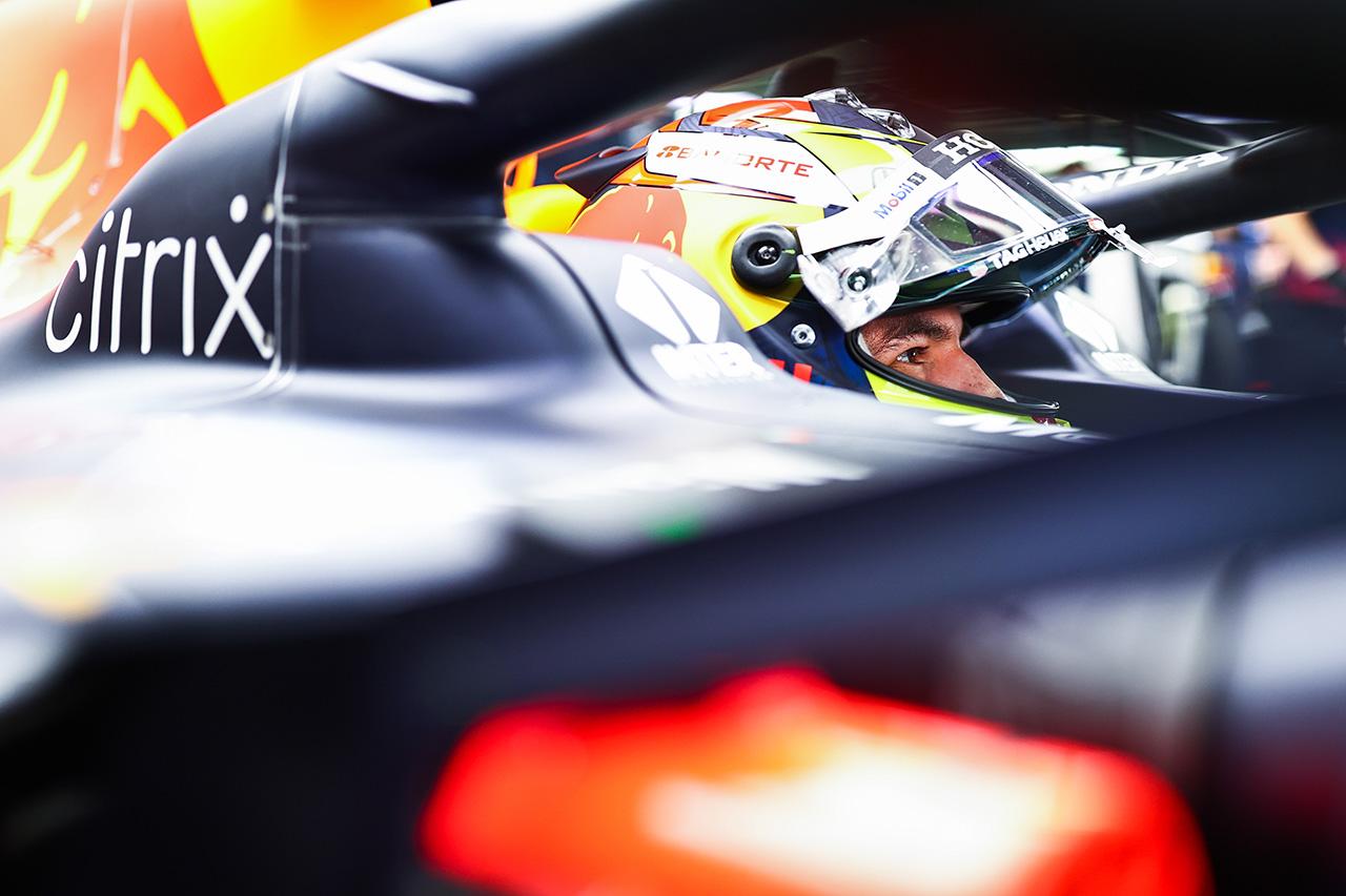 セルジオ・ペレス 「メルセデスに少しでもプレッシャーをかけたい」 レッドブル・ホンダ F1ロシアGP 金曜フリー走行