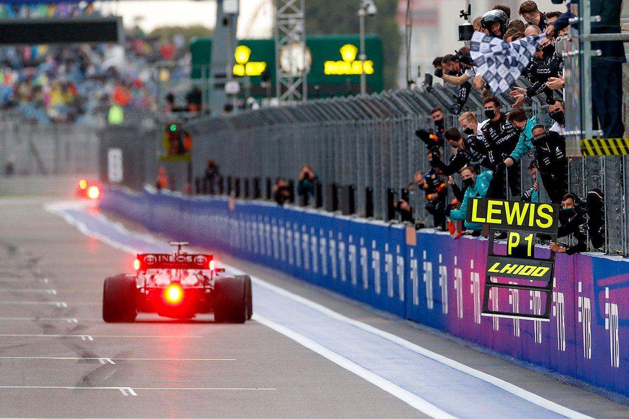 メルセデスF1代表 「フェルスタッペンのインター交換が判断を簡単にした」 F1ロシアGP 決勝