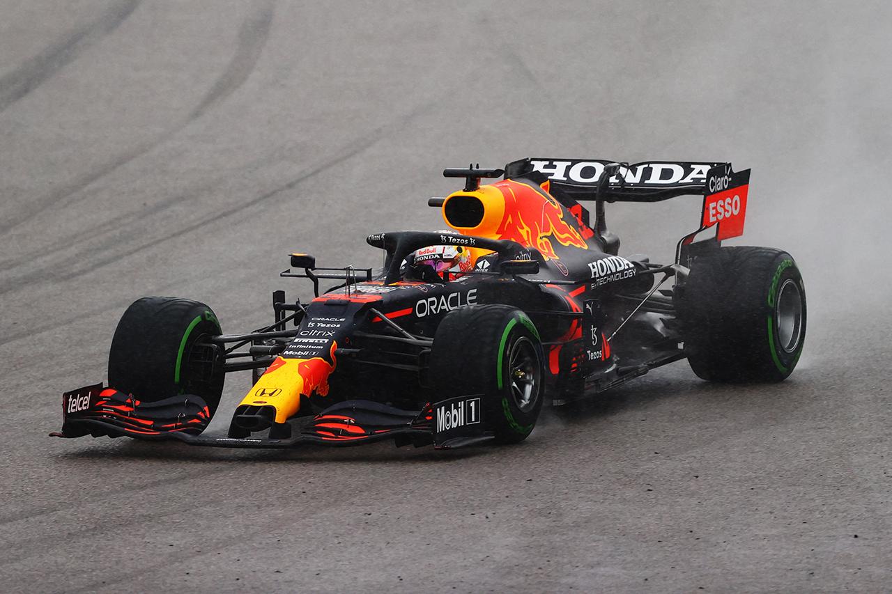 レッドブルF1首脳 「雨が降らなければフェルスタッペンの表彰台はなかった」 ドライタイヤが想定外の摩耗