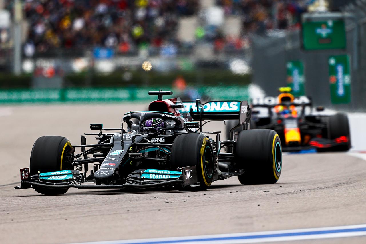 FIA、メルセデスF1エンジンに対するレッドブルの苦情を却下