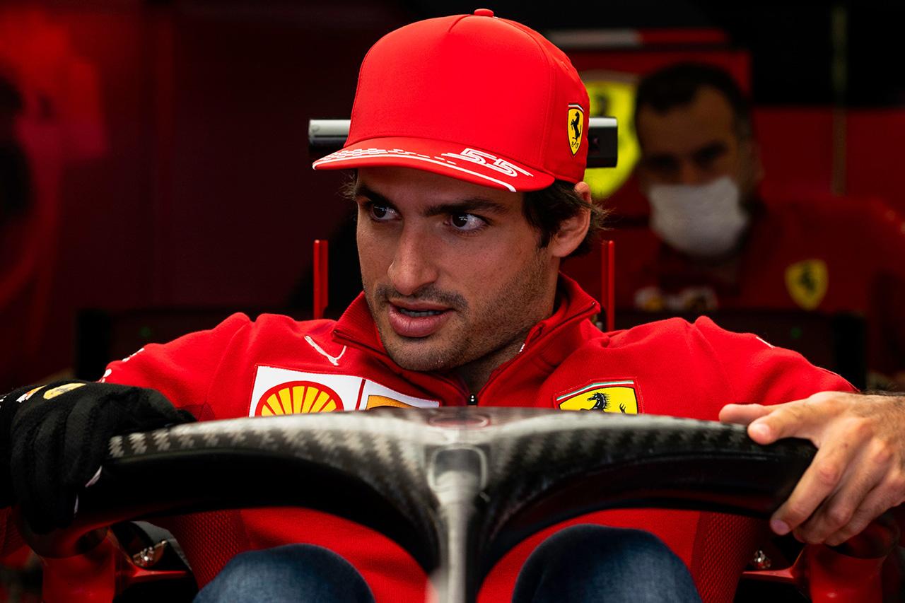 フェラーリF1のカルロス・サインツ 「ここでPU交換ペナルティを受けることを後悔」 F1トルコGP 金曜フリー走行
