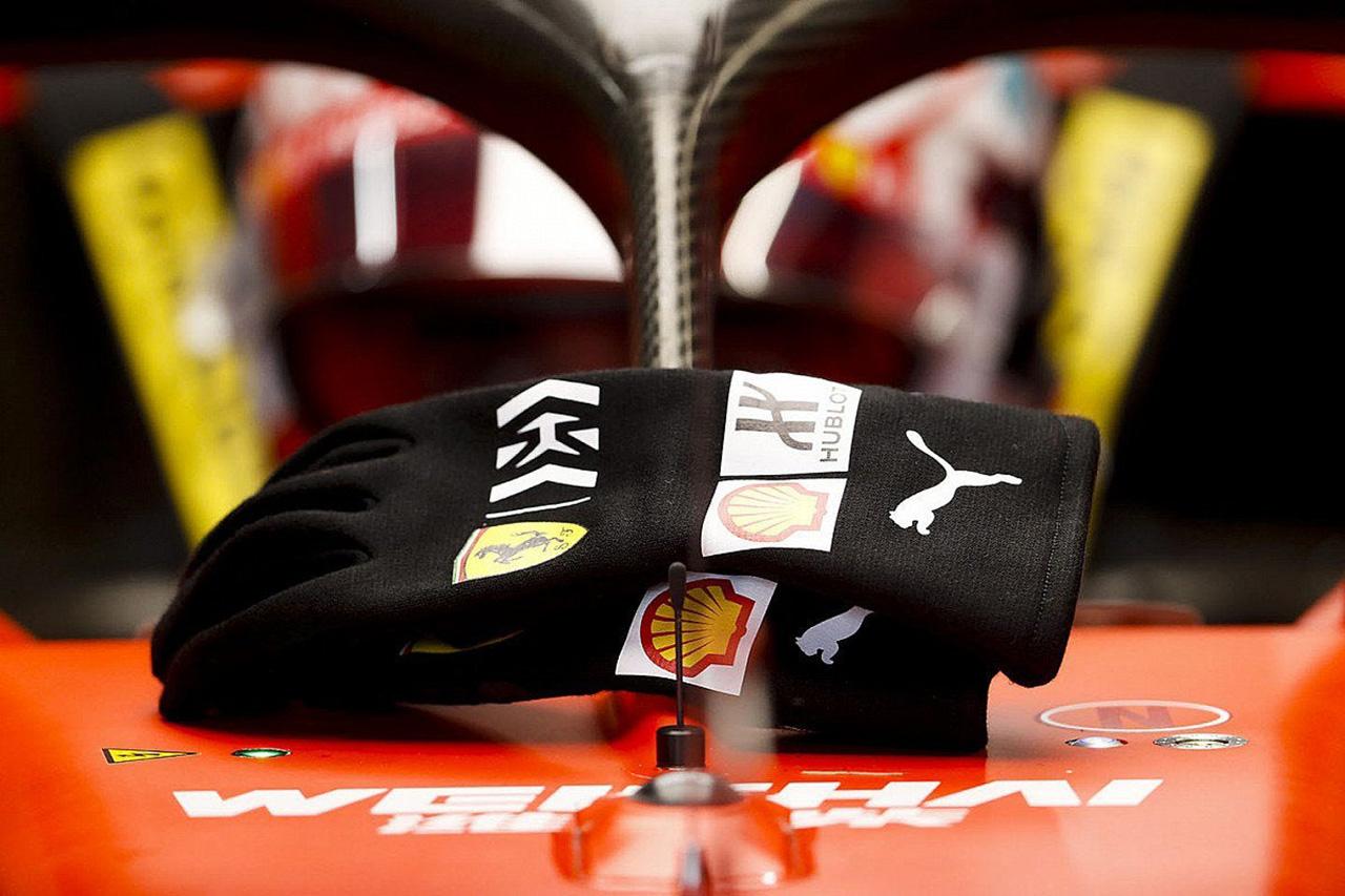 F1トルコGP:グロージャンの事故後に改良されたグロープを5名が着用