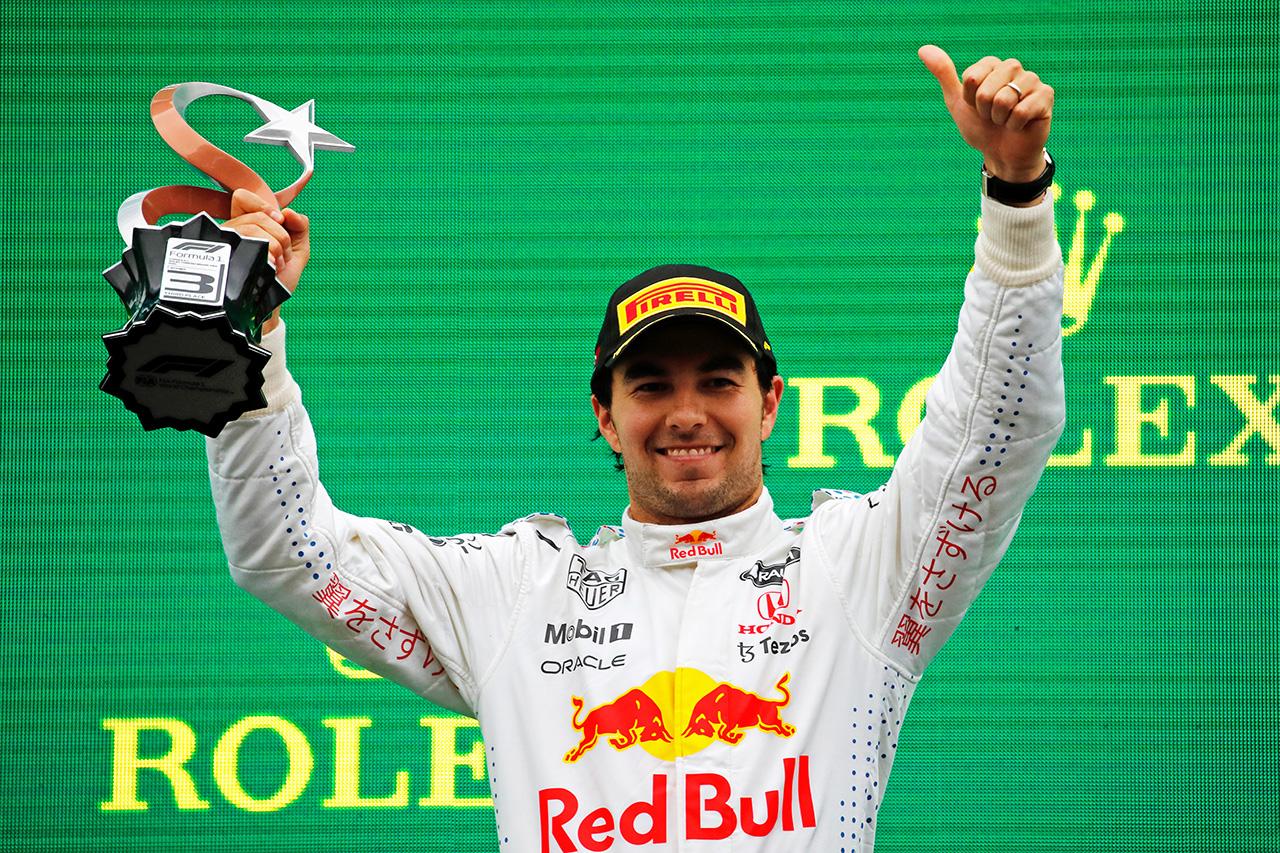 セルジオ・ペレス、3位表彰台「今日の表彰台はとても特別なものになる」 レッドブル・ホンダ F1トルコGP 決勝