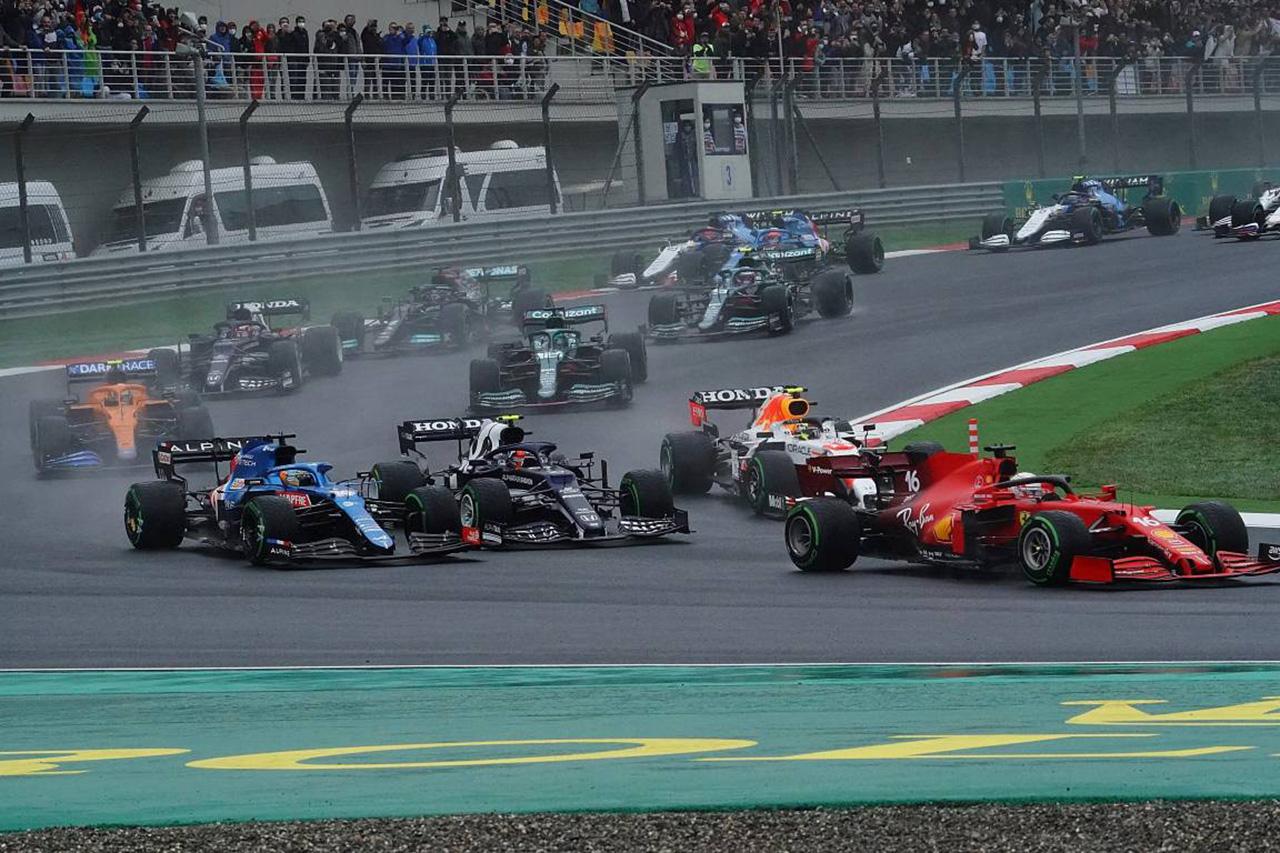 F1トルコGP決勝:アロンソとガスリーにそれぞれペナルティポイント