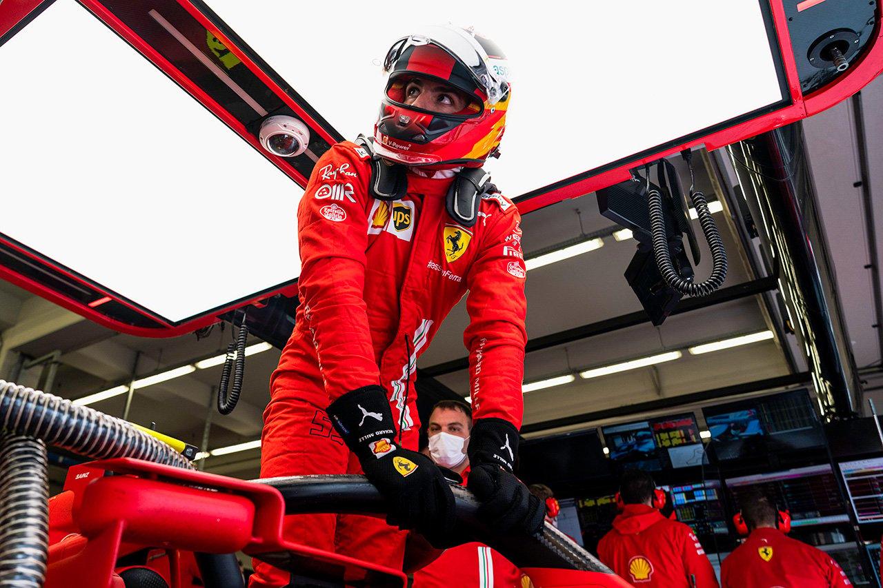 F1:耐火性能を高めた新仕様のレーシンググローブを承認