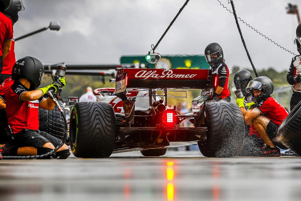 メルセデスF1代表 「ザウバーがこの時期にチームを売却するなら狂っている」