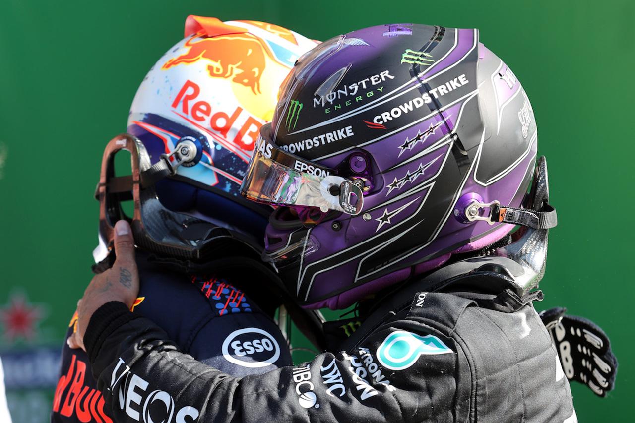 「ポイント順位はルイス・ハミルトンのミスが反映されたものではない」と元F1チャンピオンのヴィルヌーヴ