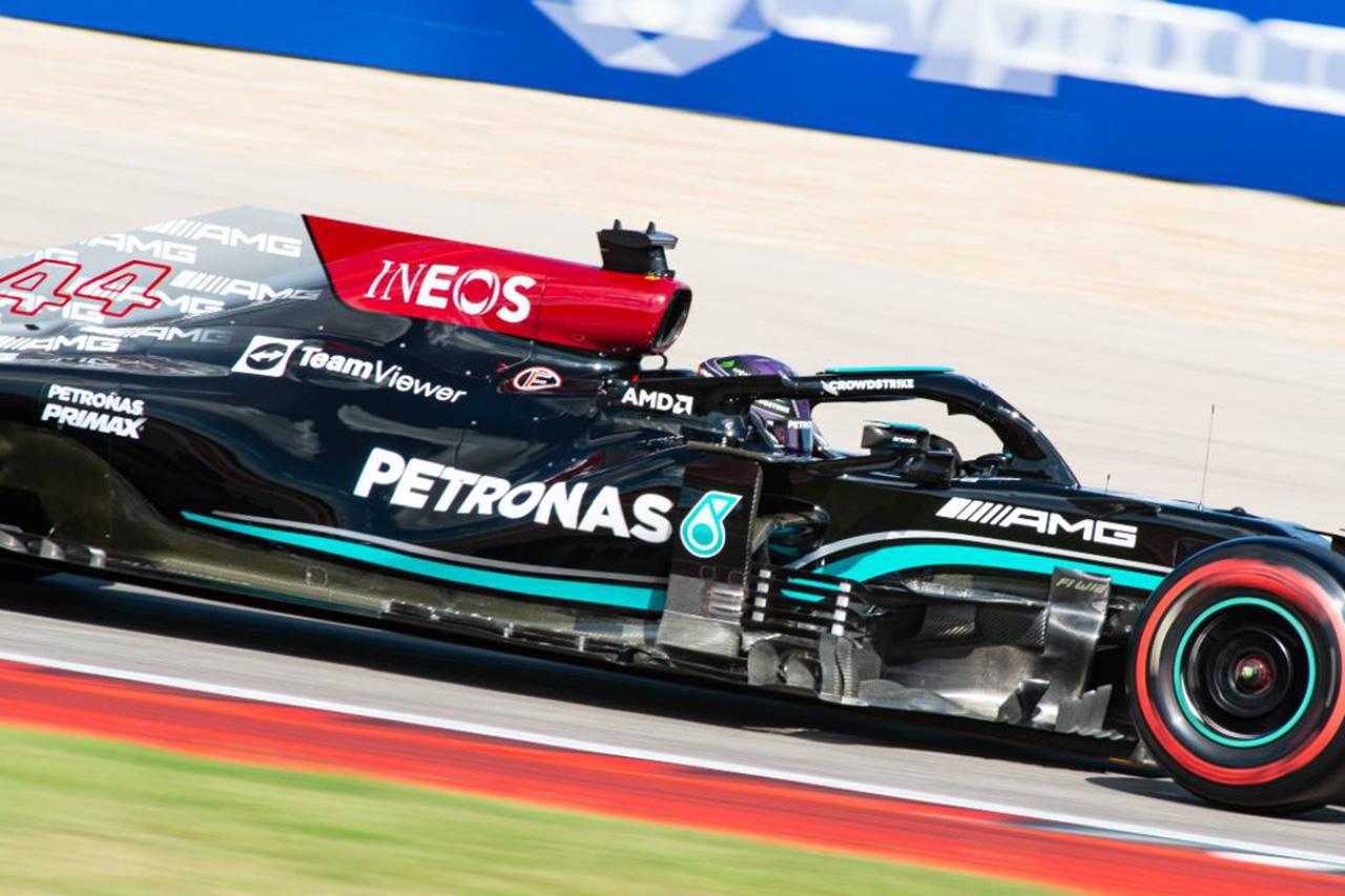 """レッドブルF1、メルセデスのリアの車高を下げる""""デバイス""""を指摘"""