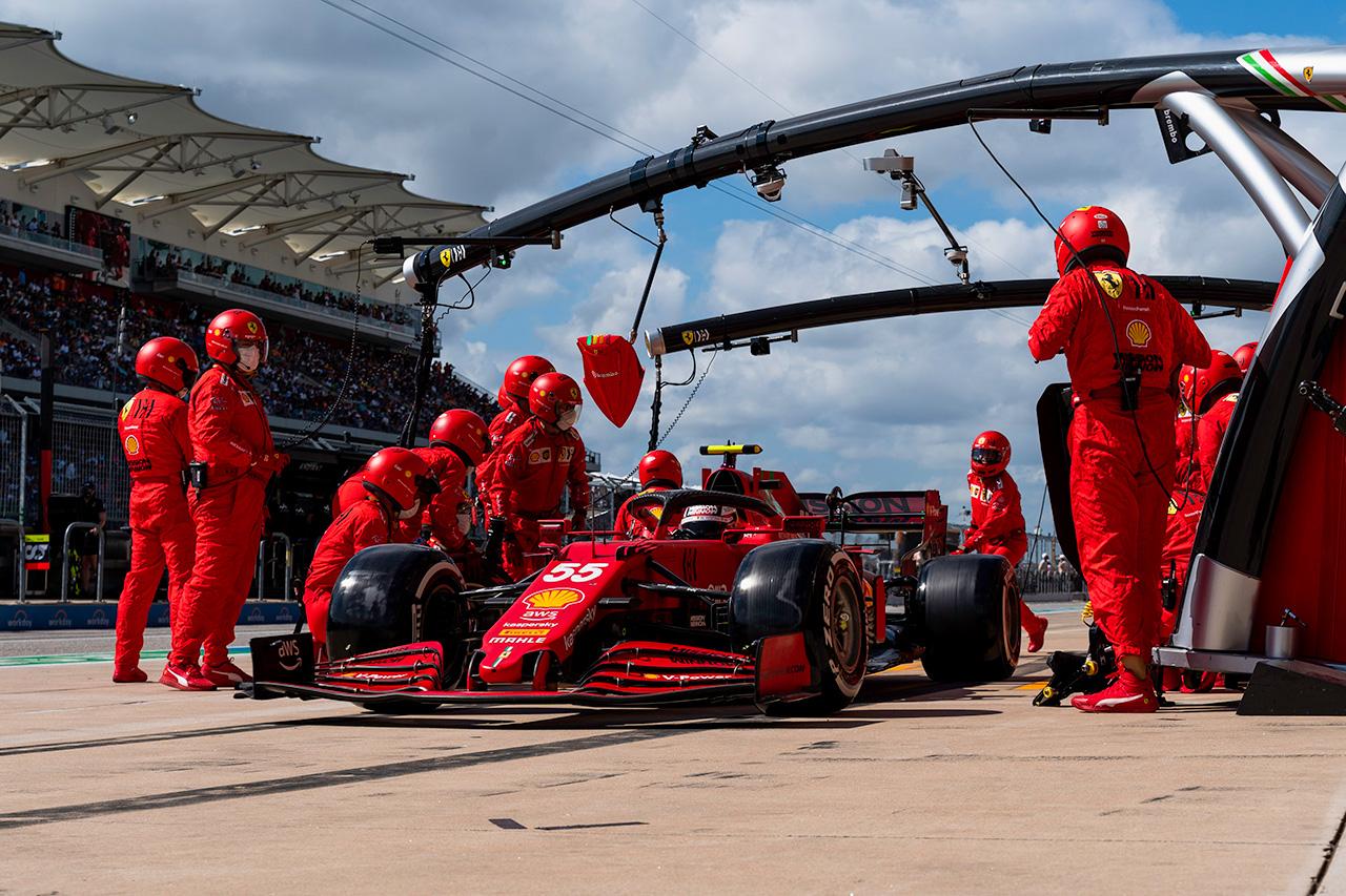 カルロス・サインツ、2戦連続でスローストップ「フラストレーションが溜まる」 フェラーリ F1アメリカGP 決勝